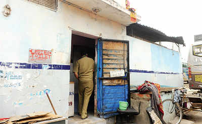 Here's how politicians make money out of public toilets in Bengaluru's Kalasipalya area