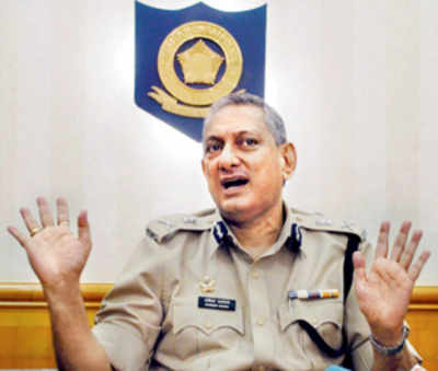 City police introduce SMS helpline for women commuters