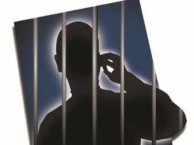 Man held for posing as CISF personnel, duping buyers on OLX