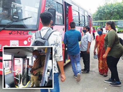 Bus, Aadhaar dedo!
