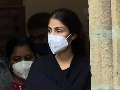 Rhea Chakraborty reaches home after getting released from Byculla jail, nearly a month after arrest