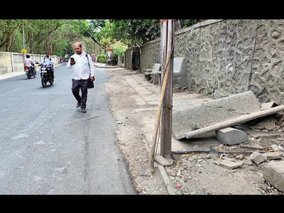 Civic amenities languish in Model Colony bylane