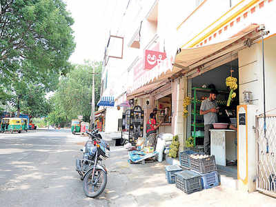 Horror at 5 am: Dacoits loot veggie shop owner