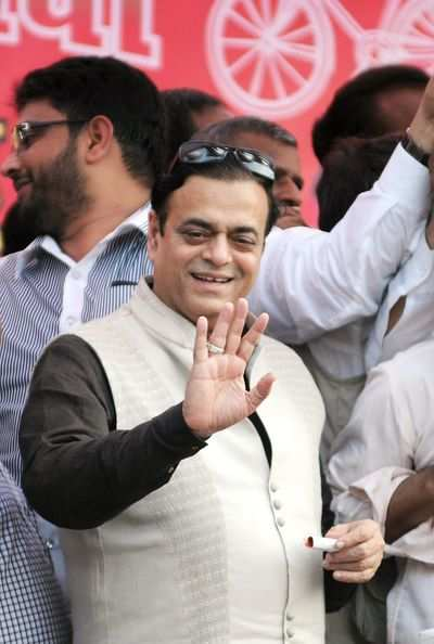 Samajwadi Party leader Azmi backs Salman Khan's remarks on Pakistani artistes; Sena taunts actor
