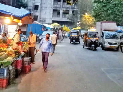 'Suffocated' vendors reject new Pali market