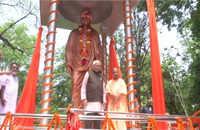 Lucknow: Governor Naik, CM Yogi unveil Swami Vivekananda's statue in Raj Bhavan