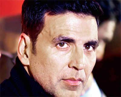 Akshay detained at Heathrow