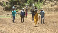 Maharashtra: Villagers face hardship due to shortage of water