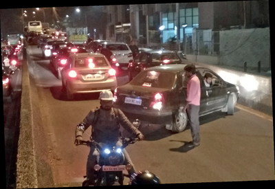 Motorists break divider to escape flyover traffic trap