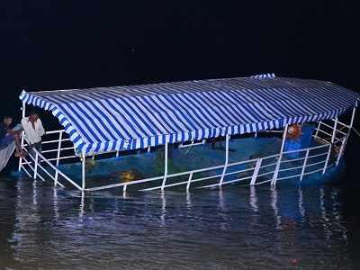Boat capsizes in Krishna river near Vijayawada: Victims' families left shell-shocked