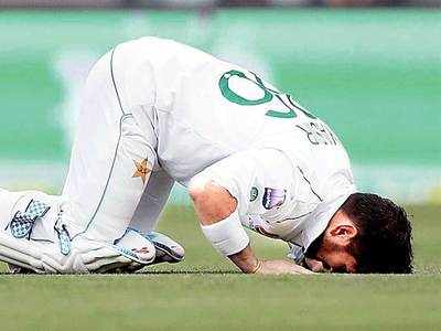 Pakistan fight to avoid defeat after Shah's dogged hundred