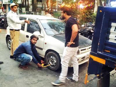 Cops act against traffic violators in Aundh
