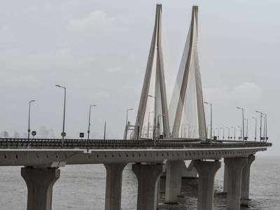 Mumbai: All lanes on sealink and expressway will have FASTag from Jan 26