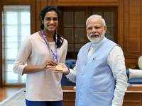 PM Narendra Modi meets world champion PV Sindhu, calls her 'India's pride'