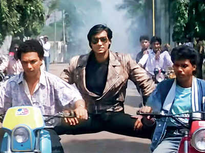 This Week, That Year: When Akshay Kumar lost Phool Aur Kaante to Ajay Devgn and it pipped Lamhe at the box-office