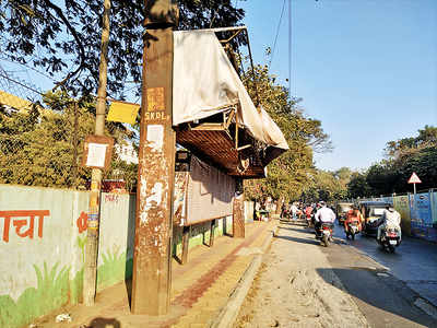 PMPML evades repairs at bus stop near Sassoon