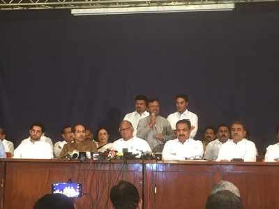Thackeray-Pawar hold joint press conference, say Shiv Sena, Congress, NCP still together