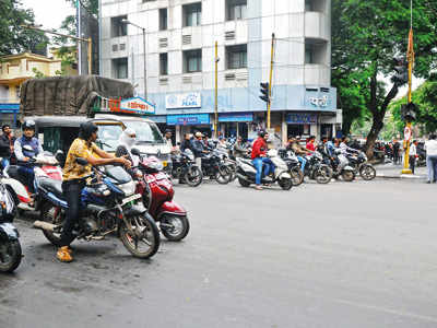 Lack of zebra crossing causes chaos on J M Road