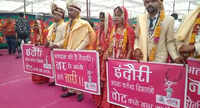 Indore: Newly-wed couples spreading voter awareness during their mass marriage