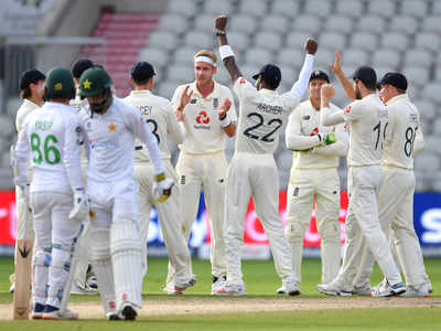 Late strikes lift England as Manchester Test comes alive
