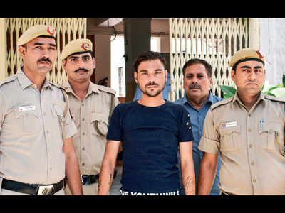 Delhi Police sub-inspector dies after assault in Shahdara