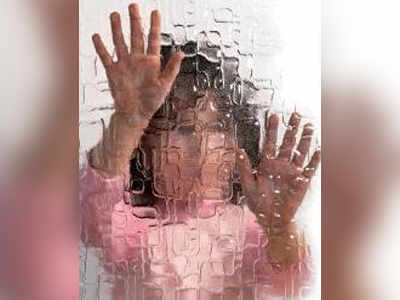 TV actor's husband held for abusing stepdaughter