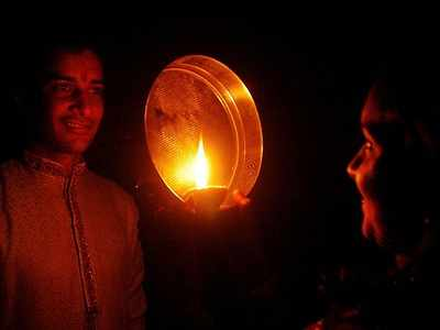 Happy Karwa Chauth 2019: Wishes, quotes, WhatsApp status and Facebook messages