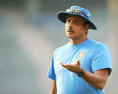 IPL 2017: Ravi Shastri forgets to announce man of the match award during Mumbai Indians vs Sunrisers Hyderabad match presentation