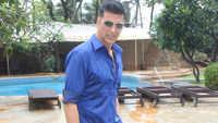 Akshay Kumar looks dapper in refreshing blue attire