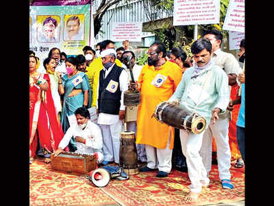 Lavani and Tamasha artistes want village fests to come back