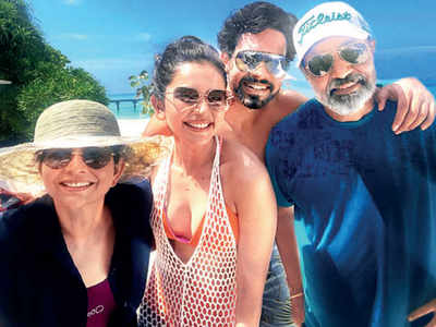 Rakul Preet Singh is in the Maldives to ring in parents' anniversary