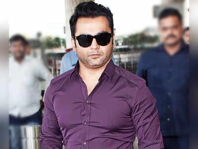 Actor Sachin Joshi detained, taken to Hyderabad