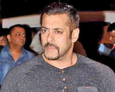 Salman Khan returns with 10 Ka Dum