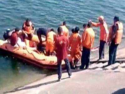 Swimmer dies trying to repair Narmada canal siphon door