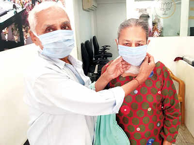 Mulund chemists to ensure price cap on face masks
