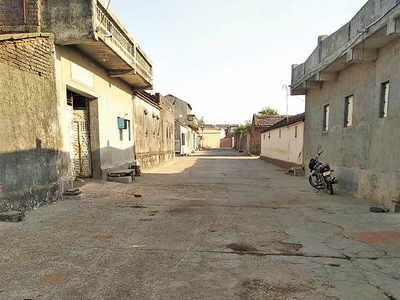 Village fines people violating lockdown
