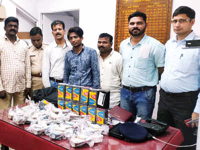3 who stole Rs 8 lakh from train arrested