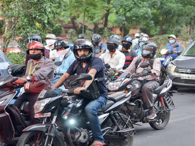 Two-wheeler riders must keep safe distance too