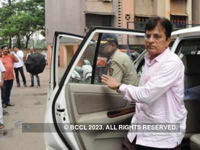 BJP leader Kirit Somaiya detained in Mumbai