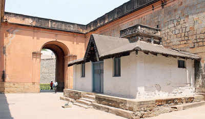 BANGALORE FORT: Kempe Gowda's city of dreams