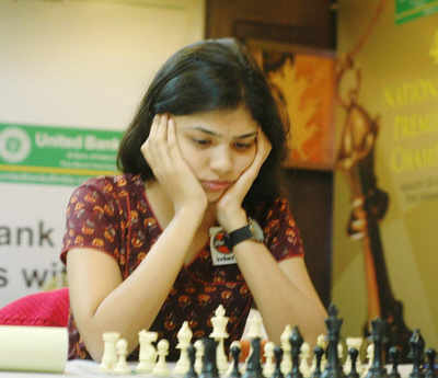Indian Chess star Soumya Swaminathan refuses to wear headscarf, withdraws from Iran tournament