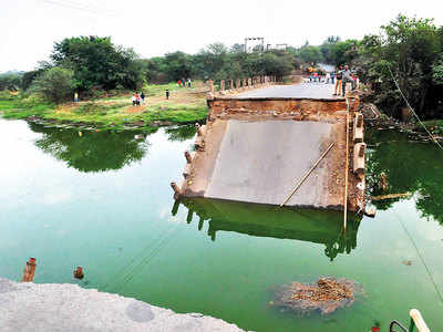 Bridge barred for commute on Indrayani river collapses in Ambi village