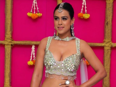 Jamai Raja actress Nia Sharma's lehenga catches fire at Diwali party