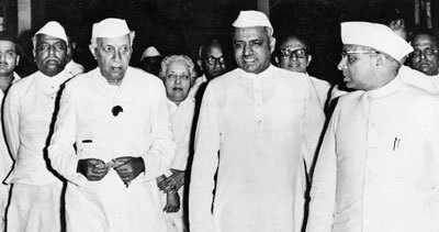 Sayukt Maharashtra ladha, मराठी दणका, Marathi mansacha danka, महाराष्ट्राच्या निर्मितीसाठी, त्रिराज्याचा प्रस्ताव, १९५७ ची सार्वजनिक निवडणूक आणि मराठी माणसाचा दणका, १९६० महाराष्ट्र निर्मितीच्या हालचाली, Yashvantrao Chavan, Pandit neharu on Sayukt maharashtra, Sayukt maharashtra ladha, Sayukt maharashtra nirmitii