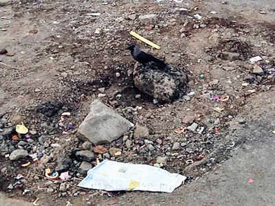 PCMC plugs leaking pipeline at Rahatani