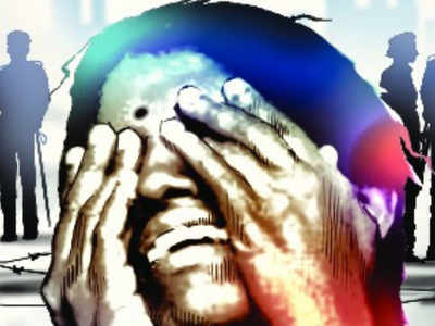 Man booked for molesting woman in Maharashtra