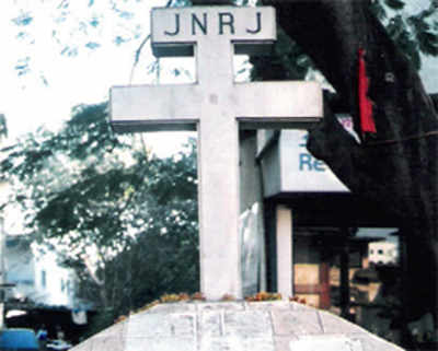 Catholics say BMC wants to demolish 38 crosses which are over 100-year-old