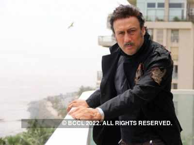 Jackie Shroff enrols himself to a baking class
