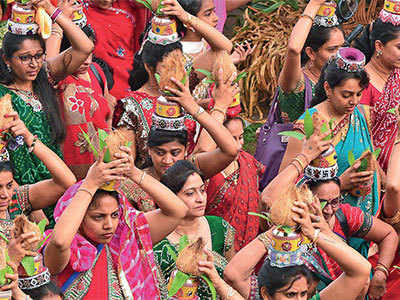 Gujarat university ropes in students to take part in Hindu fair