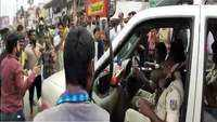 Watch: Cops in police van stopped by people, forced to wear seat belt in Ranchi